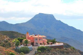 Villa for sale in Adeje