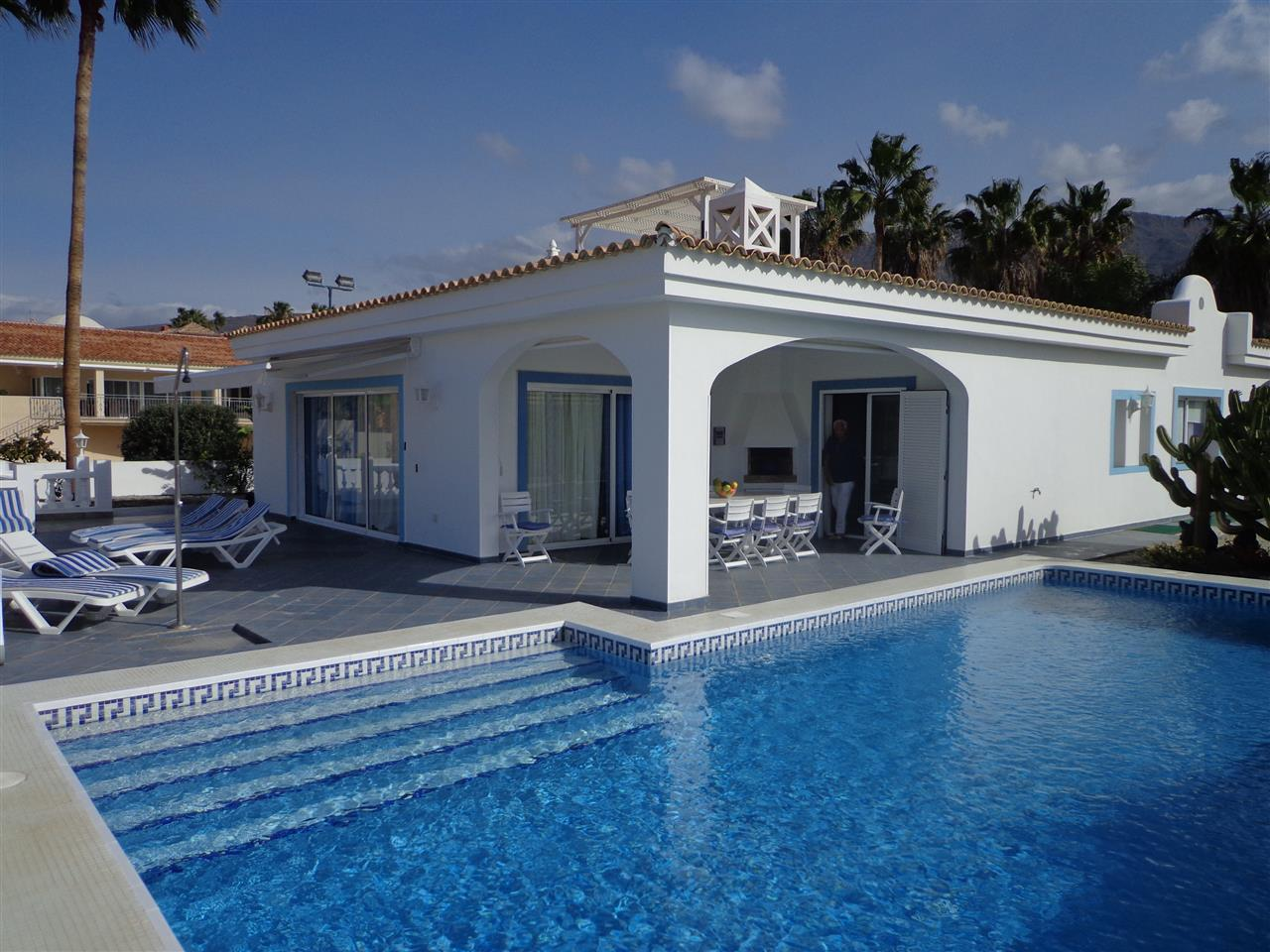 Villa for sale in Adeje Golf