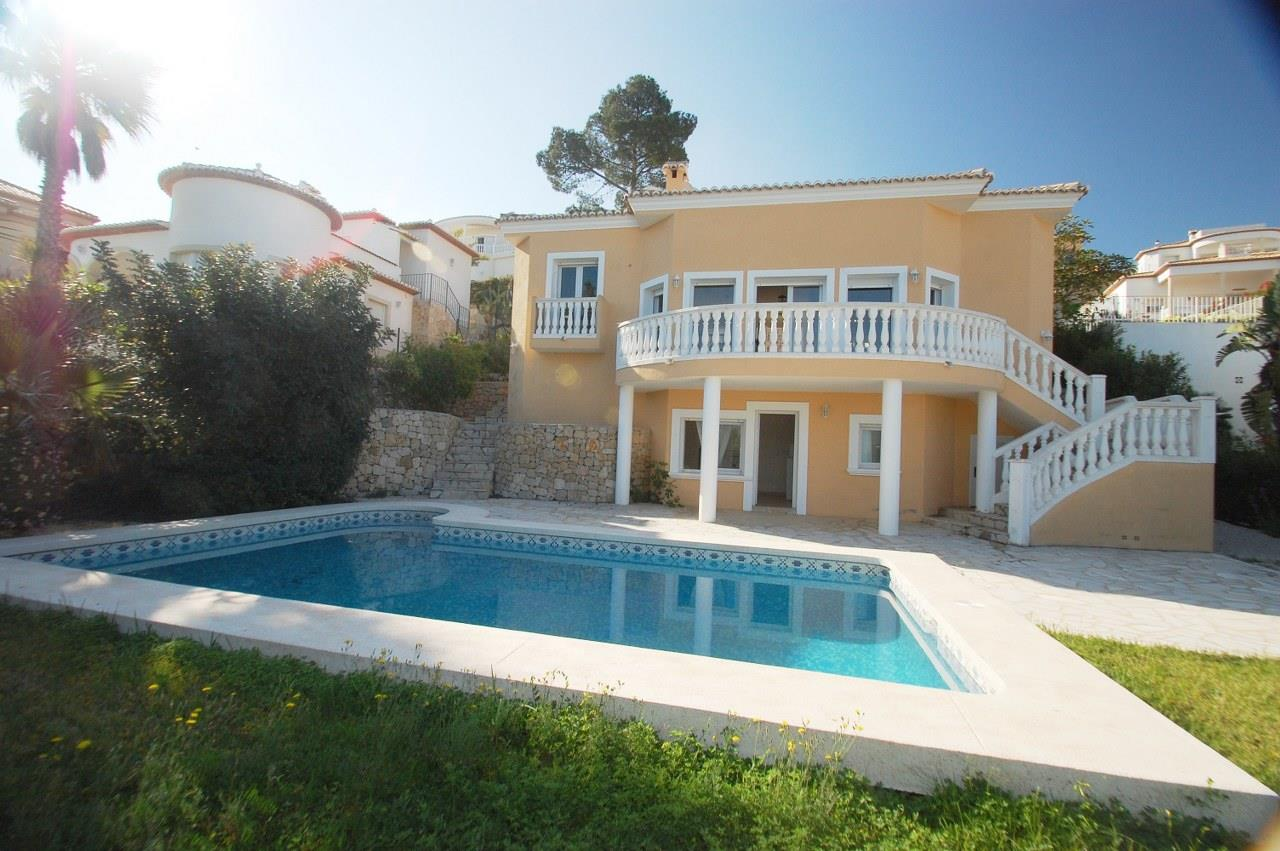 Villa for sale in Orba