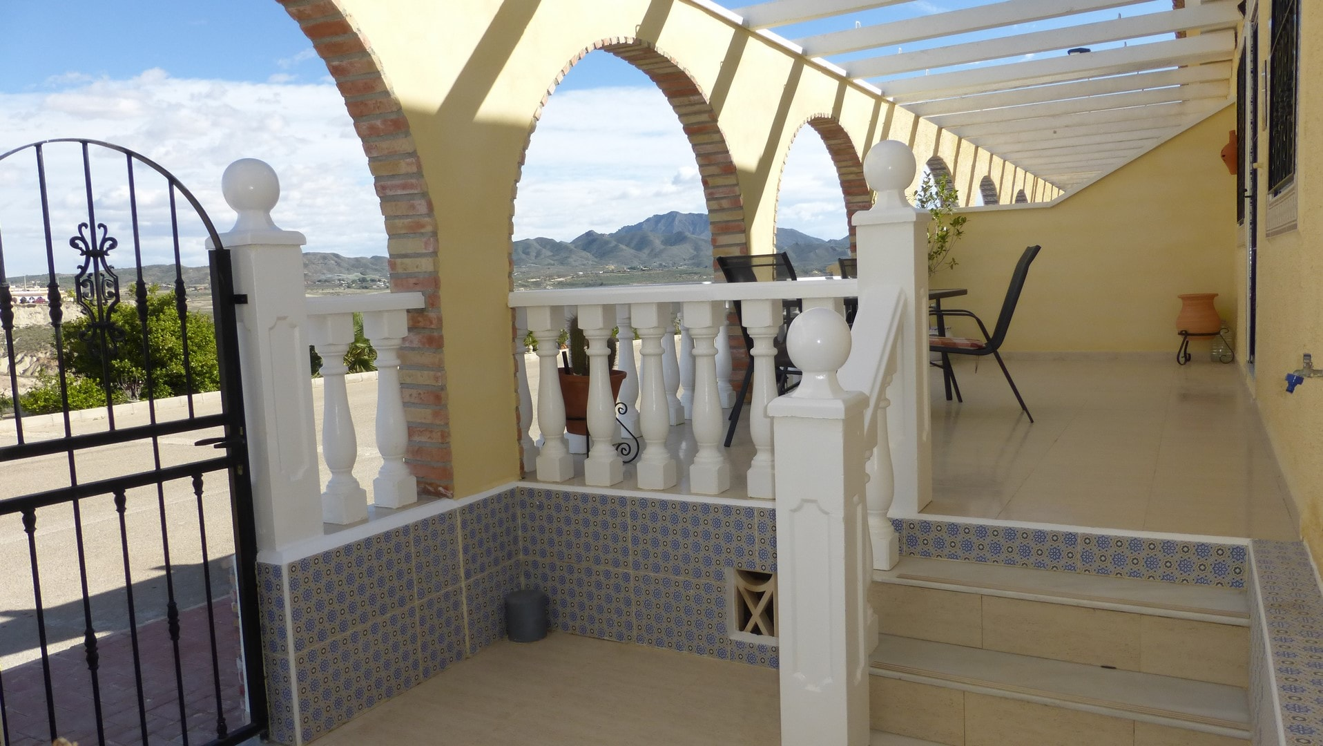 RED223 2 Bedroom Terraced Property For Sale Camposol
