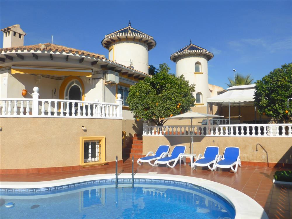 Villa in Cabo Roig