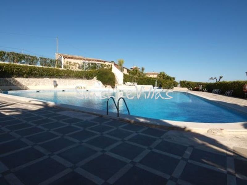Linked villa for sale Teulada