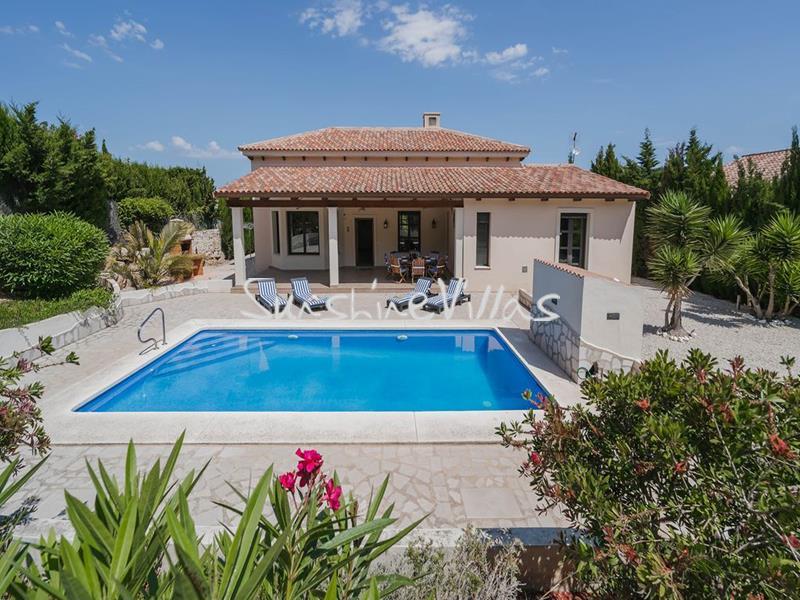 Detached villa for rent Javea