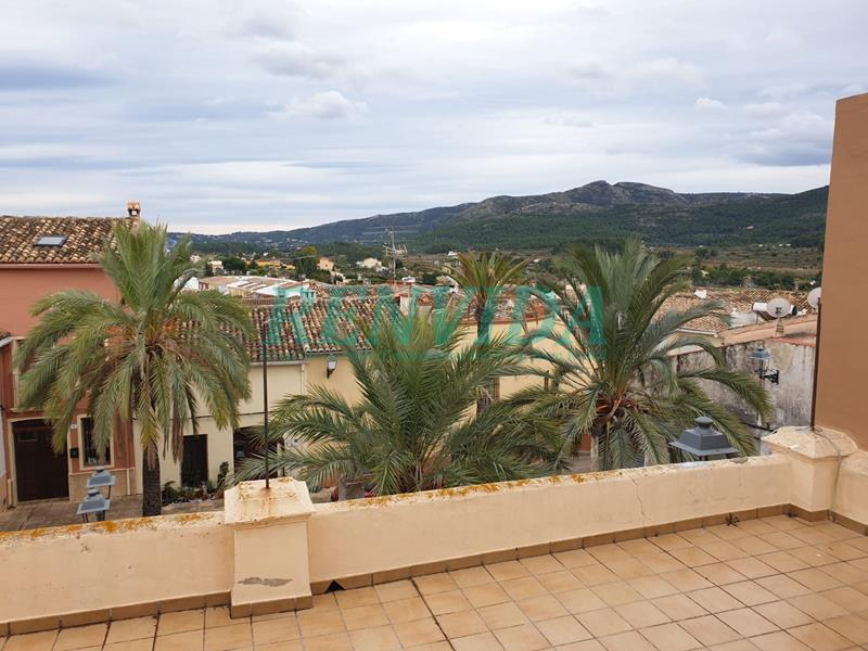 Townhouse for rent Alcalali