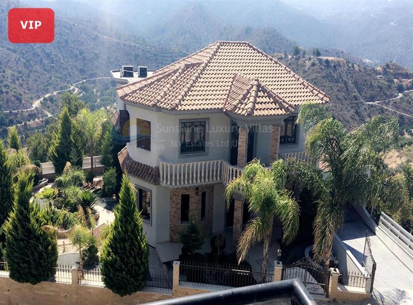 Villa/House in Dierona