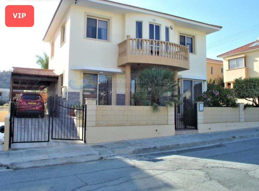 Detached Villa in Oroklini