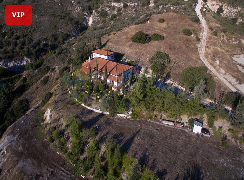 Detached Villa in Akrounta
