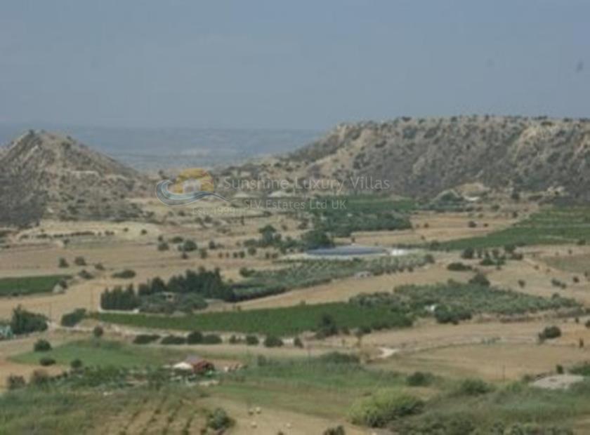 Land in Pissouri Bay