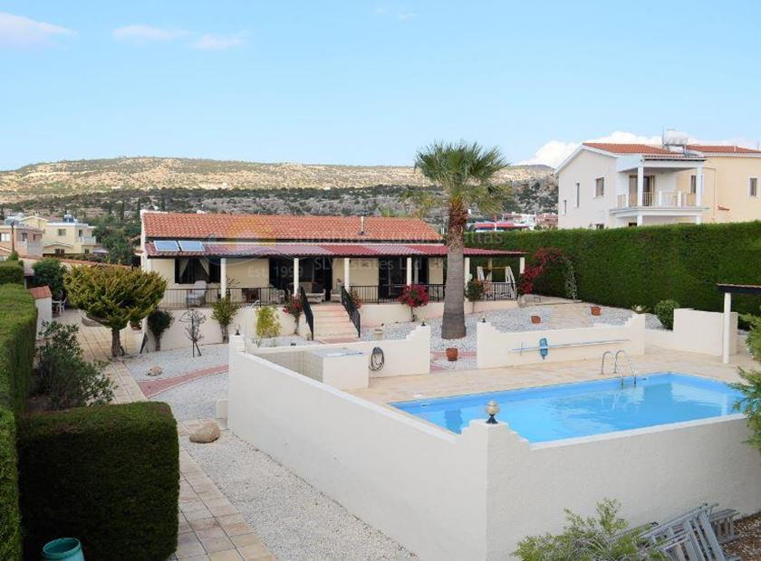 Bungalow in Peyia