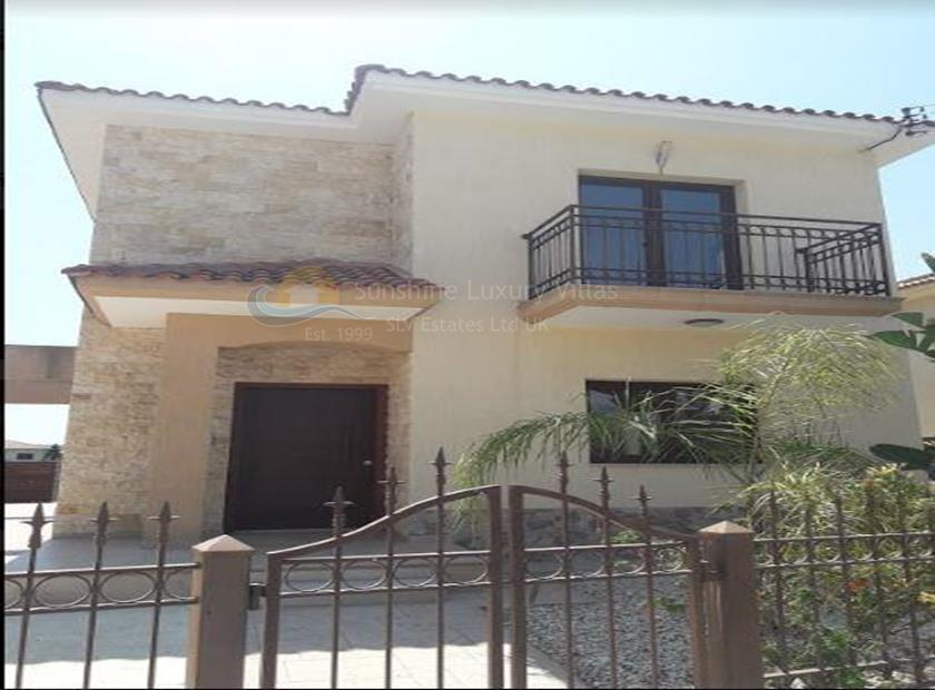 Detached House in Pyrgos