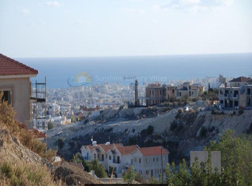 Land in Agios Athanasios