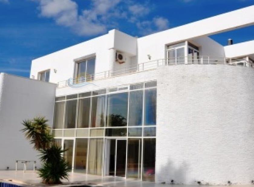 Villa/House in Agios Tychonas