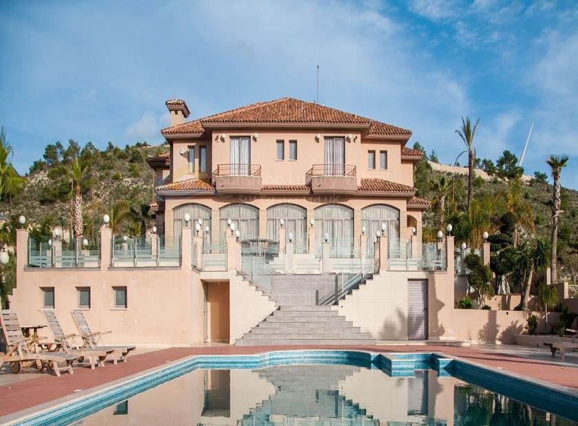 Villa/House in Alethriko