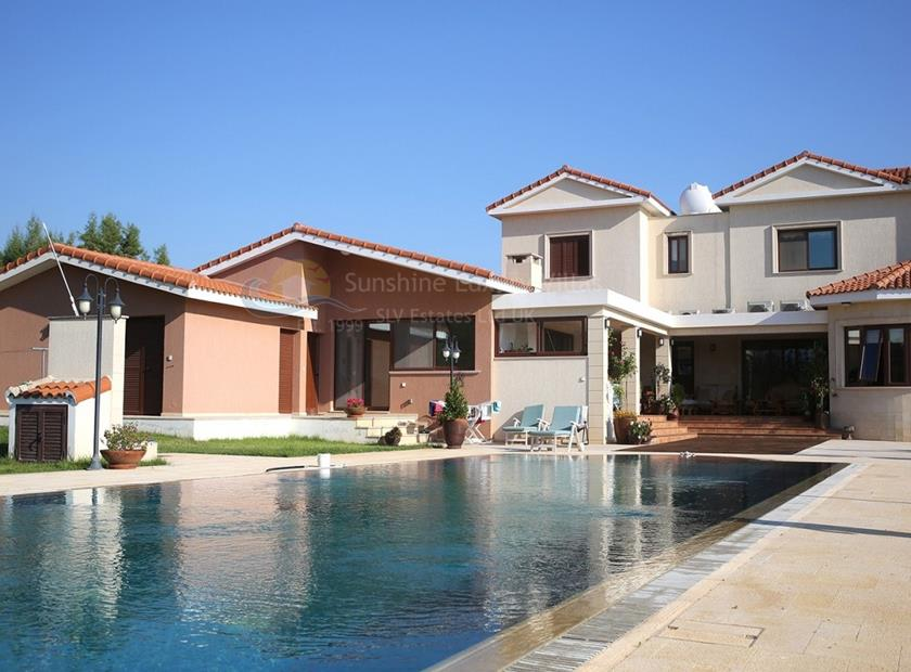 Villa/House for sale Emba