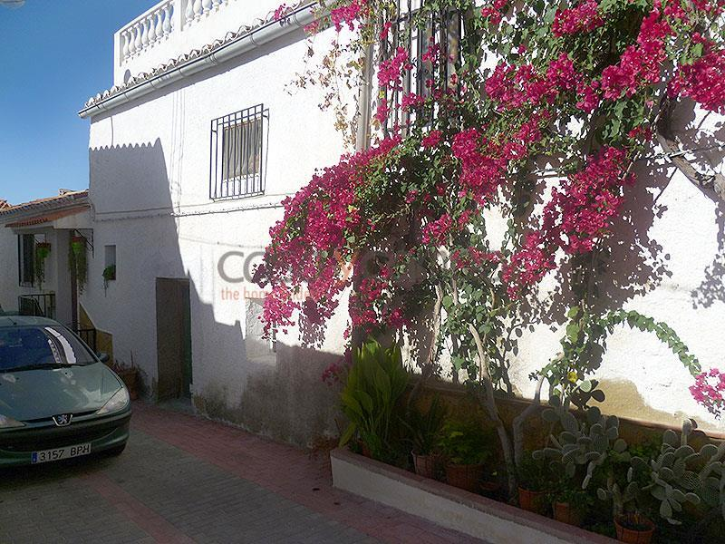 Village House in Uleila Del Campo