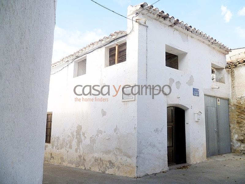 Town House in Uleila Del Campo