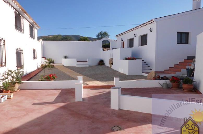 Cortijo for sale Velez-Rubio