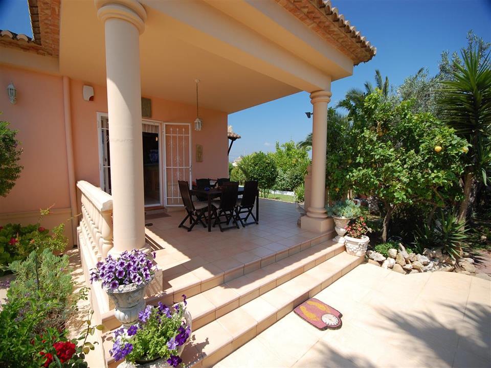 Villa in Oliva
