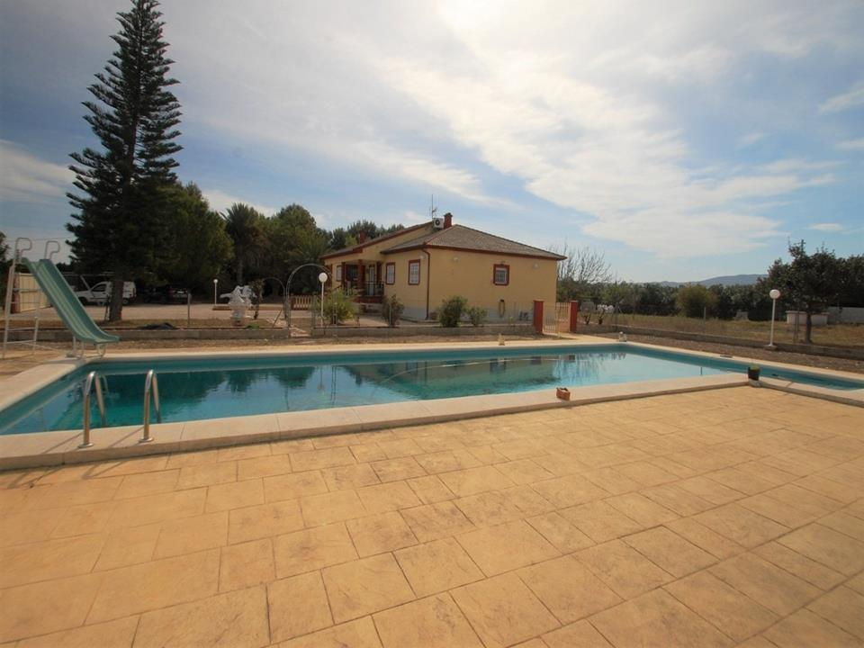 Country House in Els Poblets