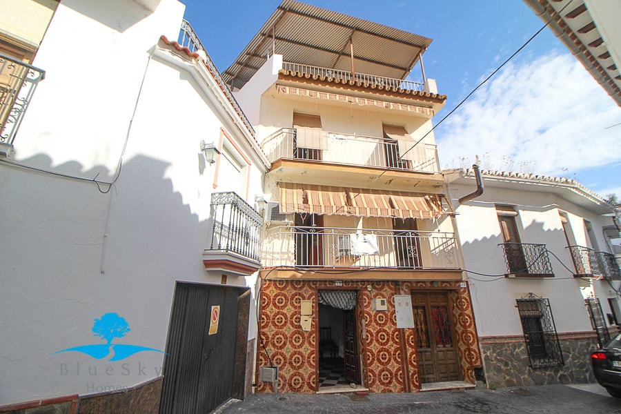 Town House in Guaro