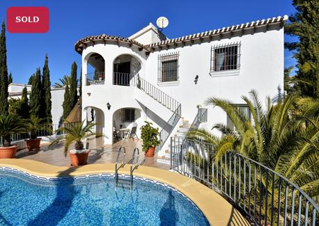 Villa for sale in Denia