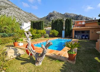 Finca for sale in Denia