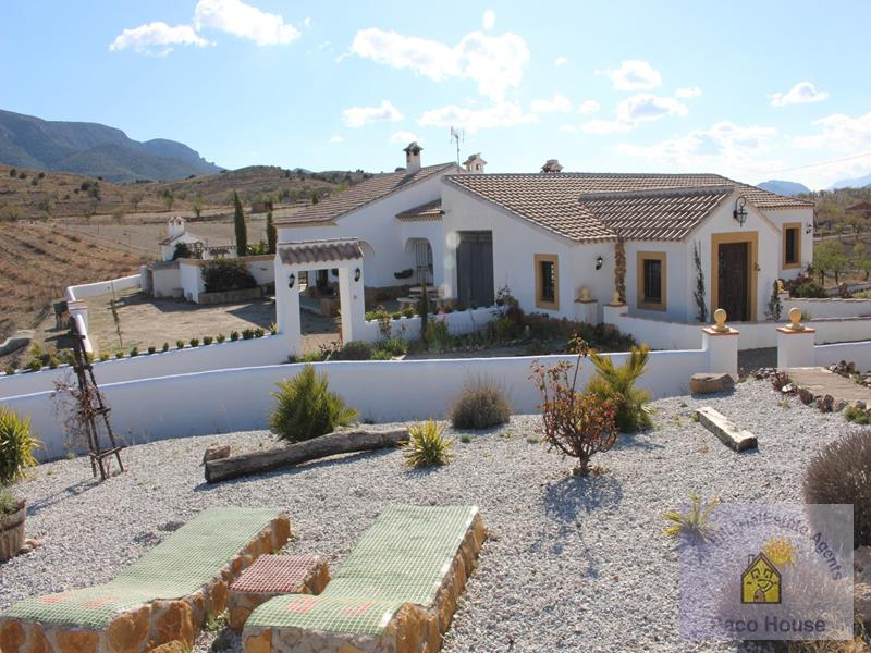 Country House for sale Velez-Rubio