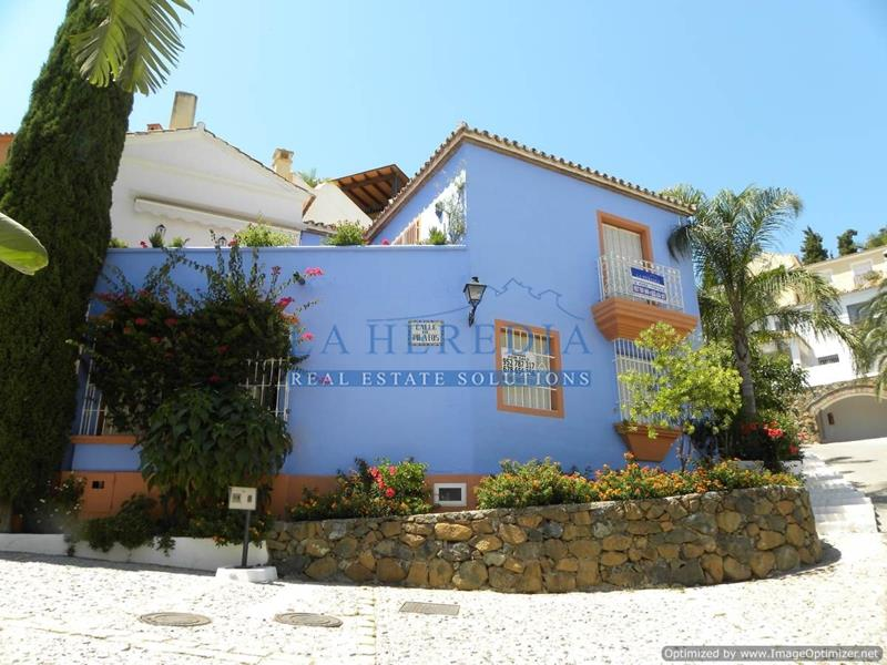 2 Bedroom Townhouse for sale La Heredia