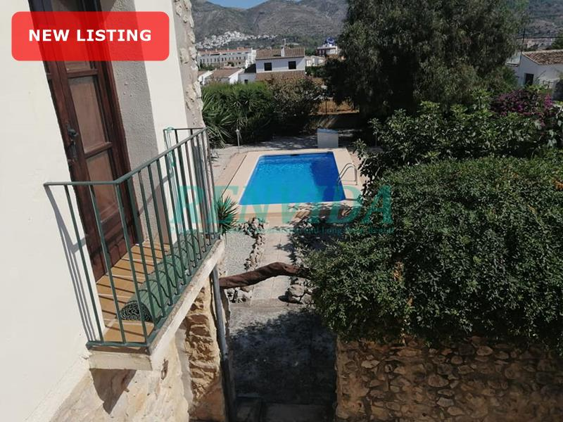 Villa for rent Jalon