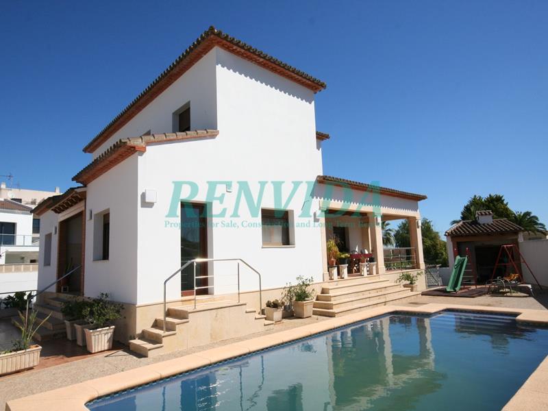 Villa for rent Ondara