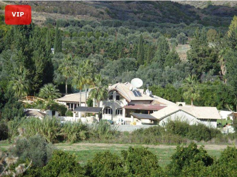 Villa in Goudi