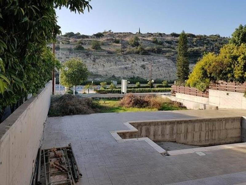 Villa in Agios Tychonas