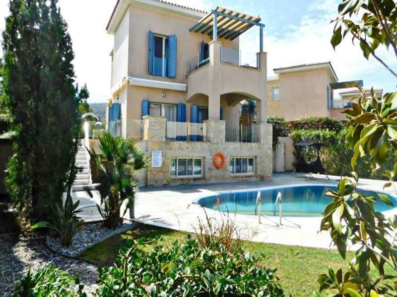 Villa in Polis