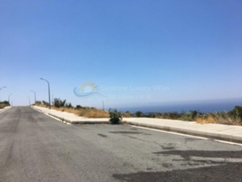 Land in Peyia