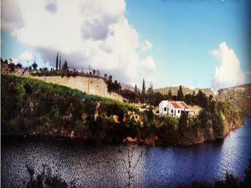 Villa in Akrounta