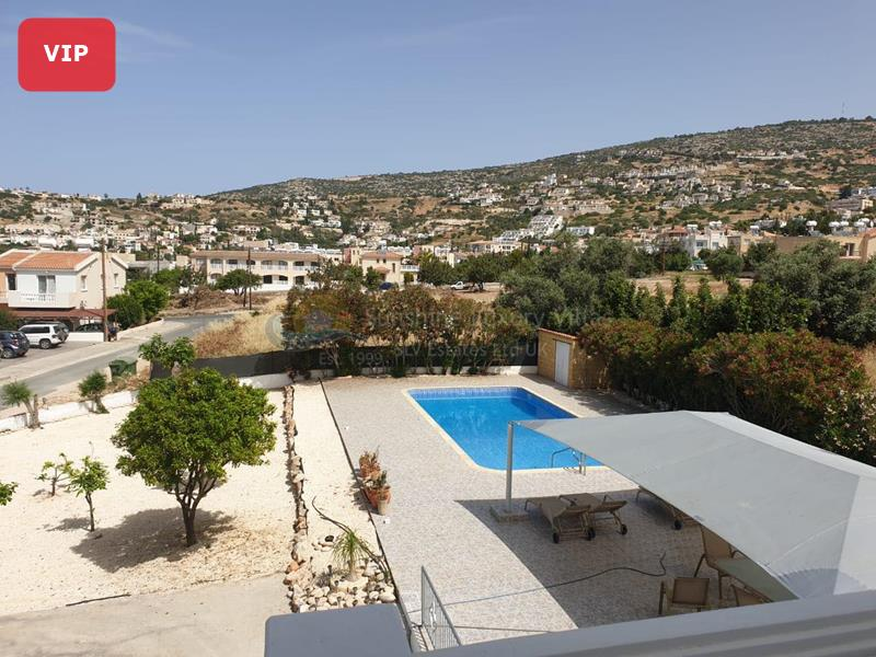 Detached in Peyia