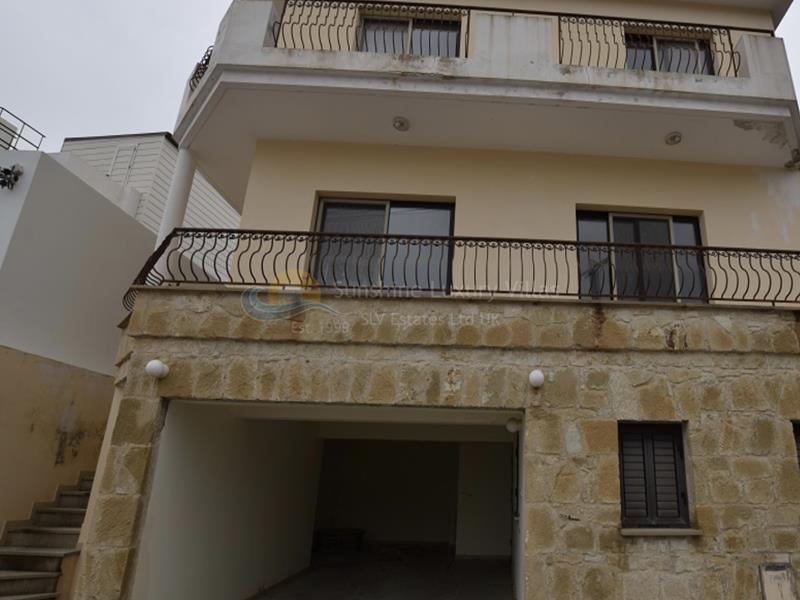 Villa in Armou