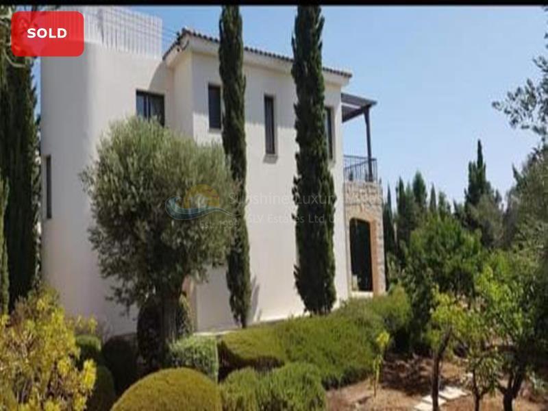 Villa in Secret Valley