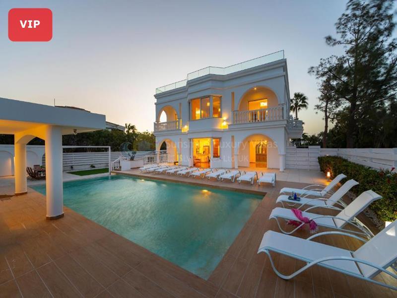 Villa in Coral Bay
