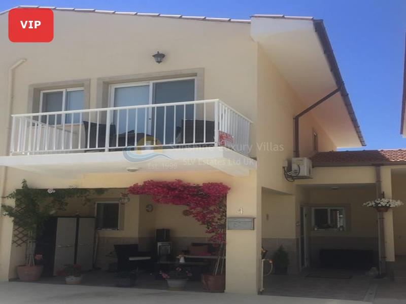 Villa in Anafotia