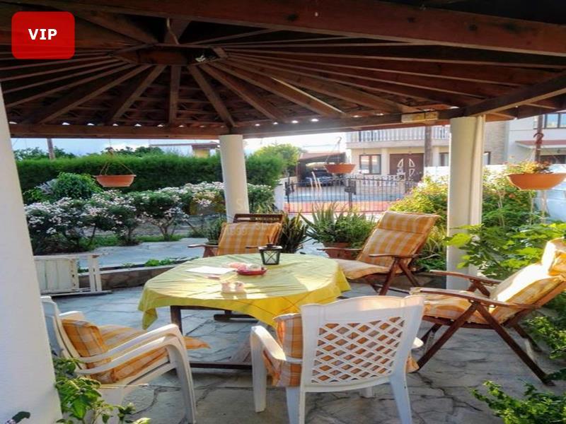 Villa in Meneou