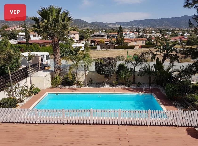 Villa/House in Parekklisia