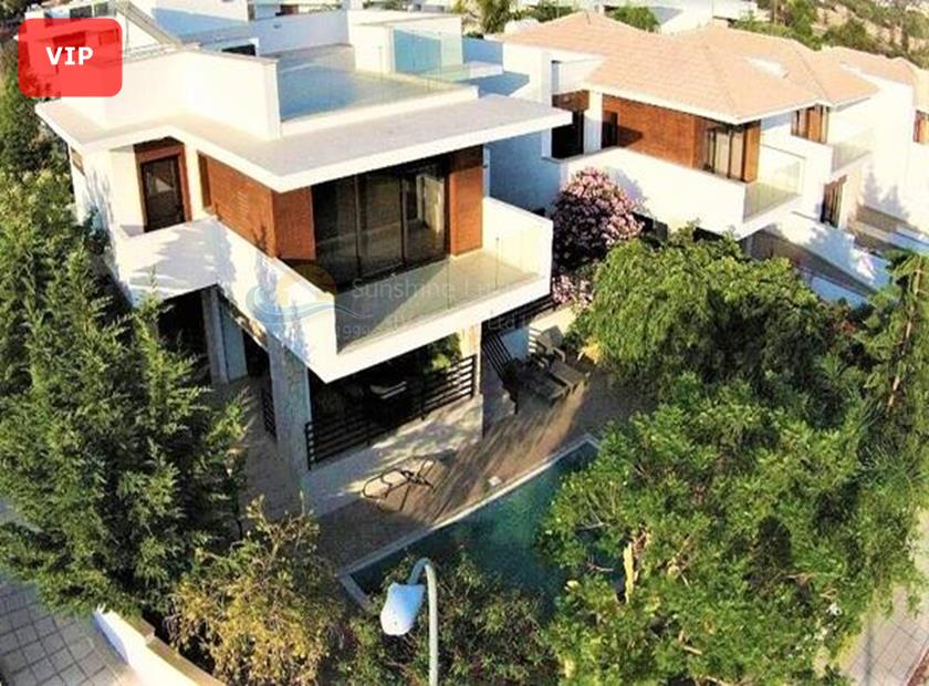 Detached Villa in Paramali