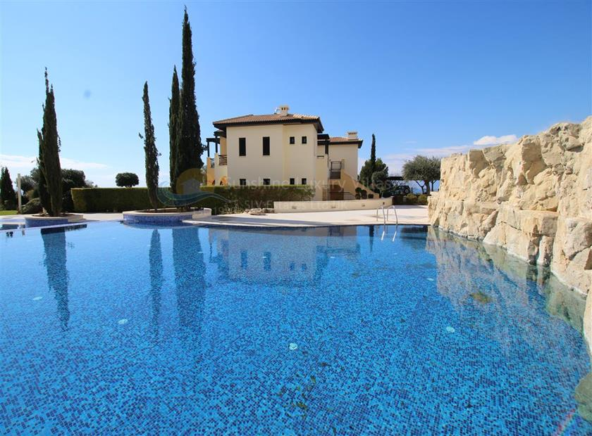 Town House in Aphrodite Hills