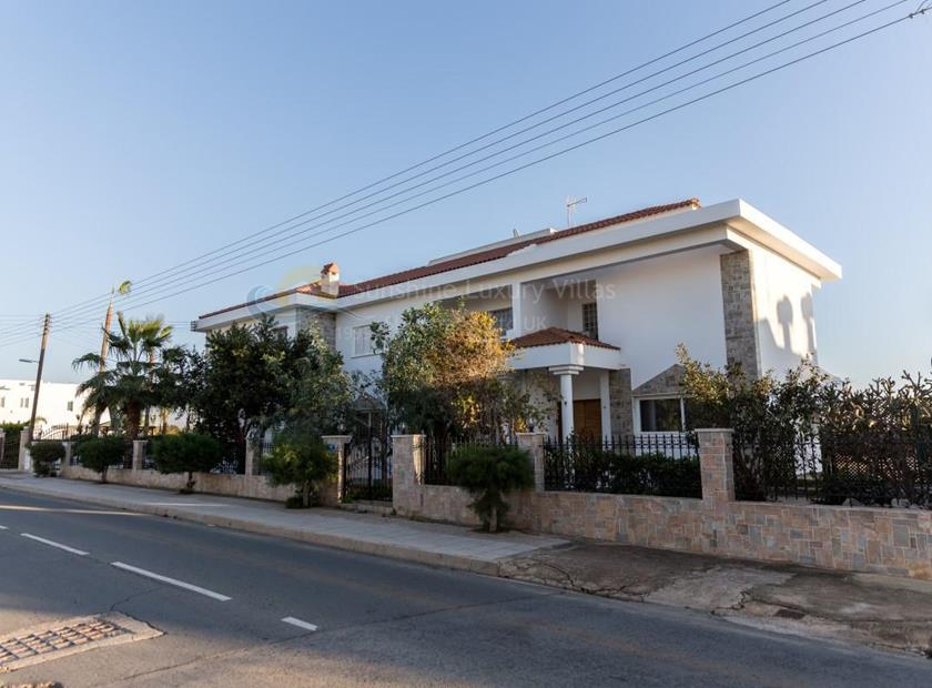 Luxury Mansion in Ayia Napa