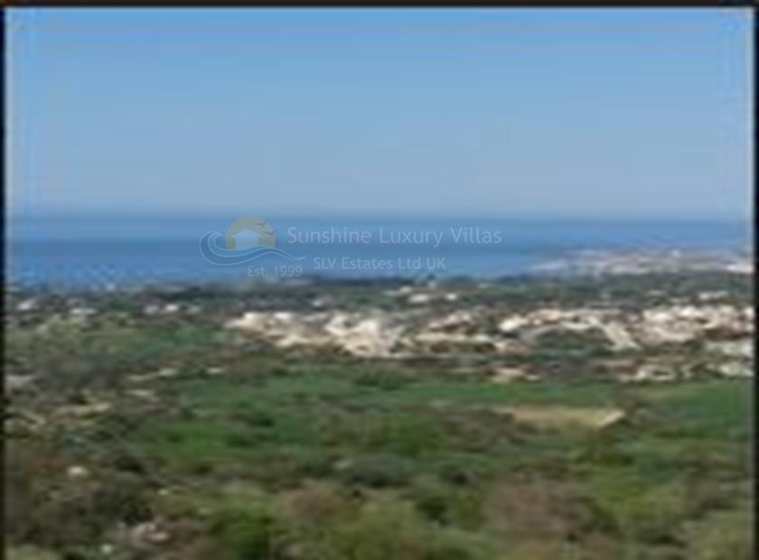 Land in Tremithousa