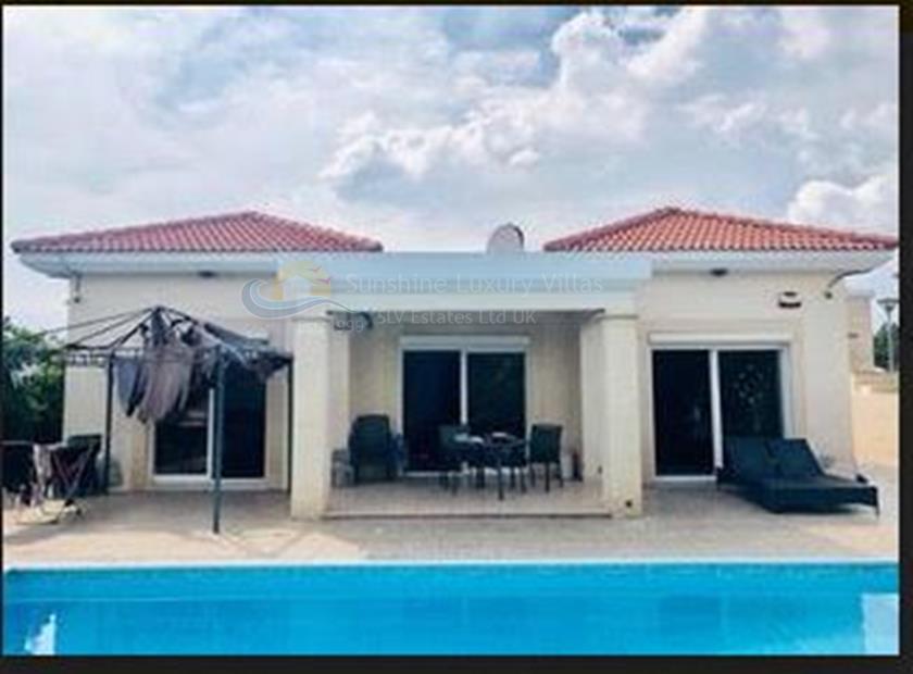 Villa/House in Tourist Area