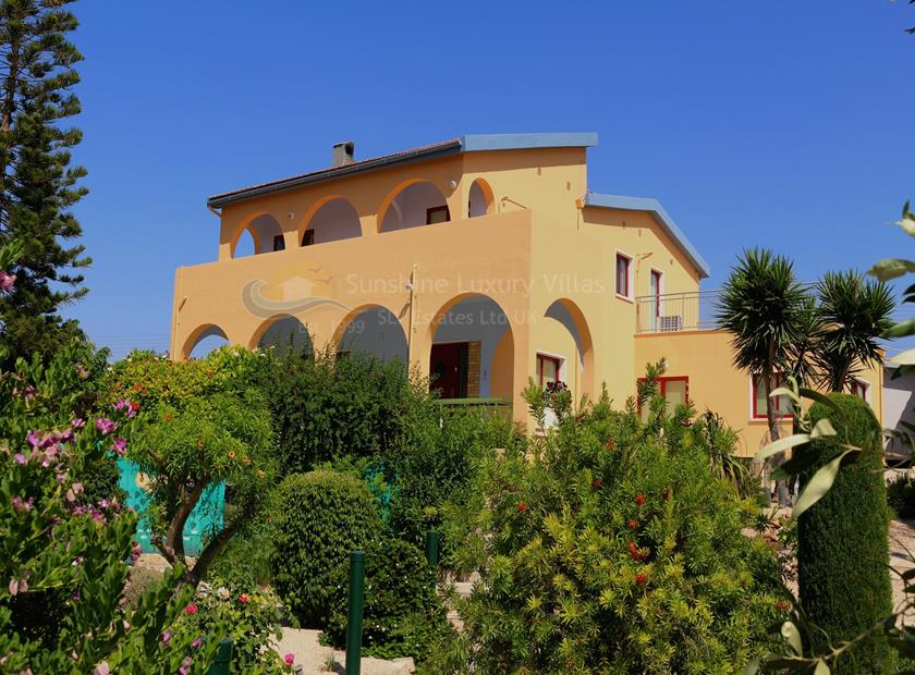 Villa/House in Paramali