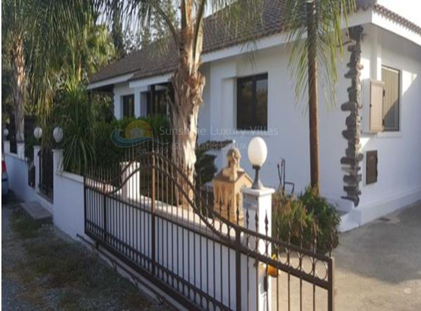 Villa/House in Meneou