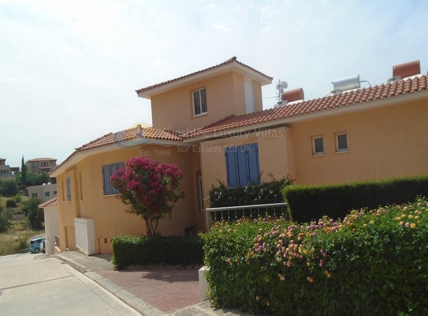 Apartment in Peyia